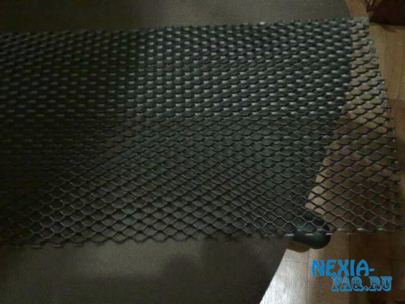 Сетка в решетку радиатора нексии (nexia) N150